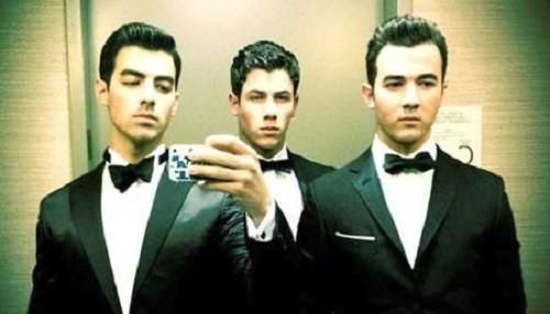 Jonas Brothers group photos