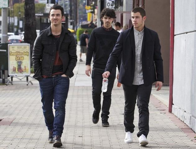 Jonas Brothers pics